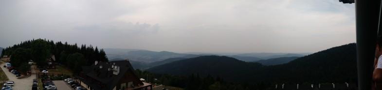 Widok z wieży na Beskidzkim Raju